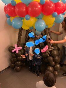 mongolfiera gigante di palloncini